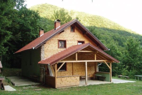Planinarska kuća Belecgrad u podnožju Ivanščice
